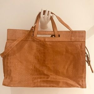 NWT Stunning Large Italian Leather Tote 💼 Bag!